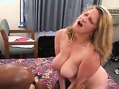 Raunchy Roxie Interracial Threesome (AMAZING!!!) 2