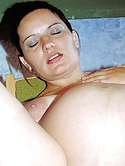 Pussy Rubbed Preggy Babe