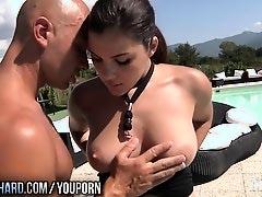 Twistys Hard - Valentina gets a facial