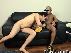 Black haired white guy gets banged by a black thug